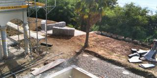 Creating lawn with perimeter masonry
